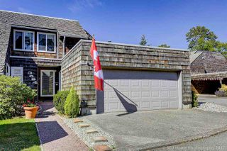"""Photo 1: 3684 BORHAM Crescent in Vancouver: Champlain Heights Townhouse for sale in """"THE UPLANDS"""" (Vancouver East)  : MLS®# R2183477"""