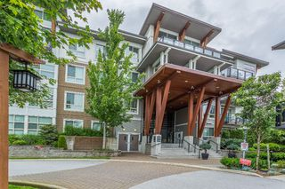 Photo 3: 102 6688 120 Street in Surrey: West Newton Condo for sale : MLS®# R2184850