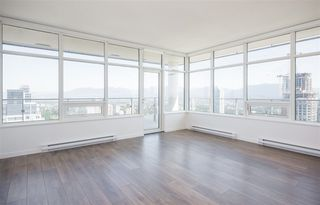 """Photo 6: 5309 6461 TELFORD Avenue in Burnaby: Metrotown Condo for sale in """"METROPLACE"""" (Burnaby South)  : MLS®# R2197670"""