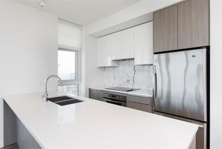 """Photo 8: 5309 6461 TELFORD Avenue in Burnaby: Metrotown Condo for sale in """"METROPLACE"""" (Burnaby South)  : MLS®# R2197670"""