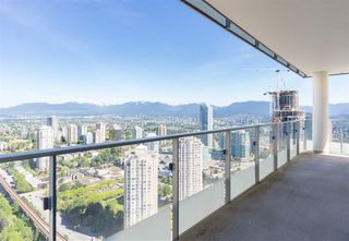 """Photo 9: 5309 6461 TELFORD Avenue in Burnaby: Metrotown Condo for sale in """"METROPLACE"""" (Burnaby South)  : MLS®# R2197670"""