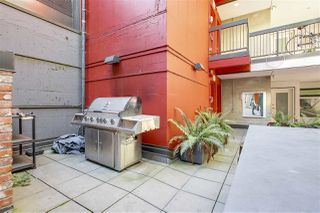 "Photo 13: 207 370 CARRALL Street in Vancouver: Downtown VE Condo for sale in ""21 DOORS"" (Vancouver East)  : MLS®# R2211876"