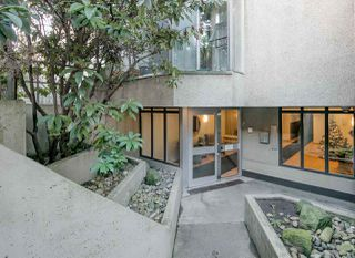 "Photo 2: PH4 1040 PACIFIC Street in Vancouver: West End VW Condo for sale in ""CHELSEA TERRACE"" (Vancouver West)  : MLS®# R2226216"