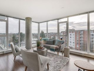"Photo 1: 709 2770 SOPHIA Street in Vancouver: Mount Pleasant VE Condo for sale in ""STELLA"" (Vancouver East)  : MLS®# R2241610"