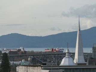 "Photo 11: 709 2770 SOPHIA Street in Vancouver: Mount Pleasant VE Condo for sale in ""STELLA"" (Vancouver East)  : MLS®# R2241610"