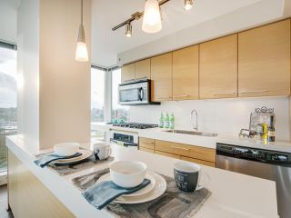 "Photo 5: 709 2770 SOPHIA Street in Vancouver: Mount Pleasant VE Condo for sale in ""STELLA"" (Vancouver East)  : MLS®# R2241610"