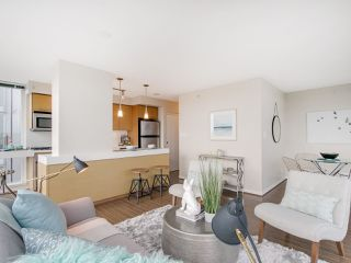 "Photo 3: 709 2770 SOPHIA Street in Vancouver: Mount Pleasant VE Condo for sale in ""STELLA"" (Vancouver East)  : MLS®# R2241610"