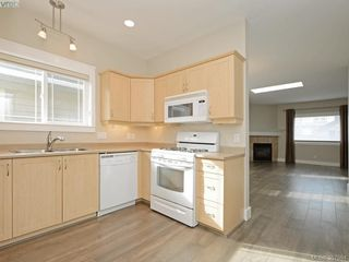 Photo 4: 9624 Sixth St in SIDNEY: Si Sidney South-East Single Family Detached for sale (Sidney)  : MLS®# 779629