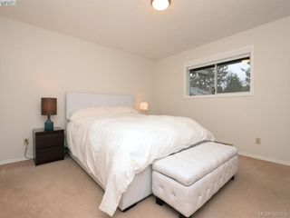 Photo 14: 4352 Parkwood Terrace in VICTORIA: SE Broadmead Strata Duplex Unit for sale (Saanich East)  : MLS®# 388375