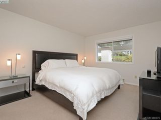 Photo 12: 4352 Parkwood Terrace in VICTORIA: SE Broadmead Strata Duplex Unit for sale (Saanich East)  : MLS®# 388375