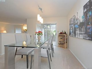 Photo 5: 4352 Parkwood Terrace in VICTORIA: SE Broadmead Strata Duplex Unit for sale (Saanich East)  : MLS®# 388375