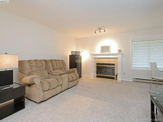 Photo 6: 4352 Parkwood Terrace in VICTORIA: SE Broadmead Strata Duplex Unit for sale (Saanich East)  : MLS®# 388375