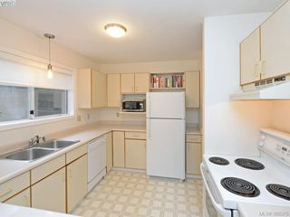 Photo 9: 4352 Parkwood Terrace in VICTORIA: SE Broadmead Strata Duplex Unit for sale (Saanich East)  : MLS®# 388375