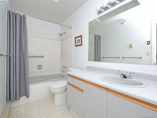 Photo 13: 4352 Parkwood Terrace in VICTORIA: SE Broadmead Strata Duplex Unit for sale (Saanich East)  : MLS®# 388375