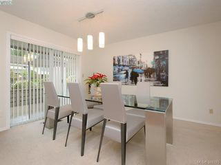 Photo 4: 4352 Parkwood Terrace in VICTORIA: SE Broadmead Strata Duplex Unit for sale (Saanich East)  : MLS®# 388375