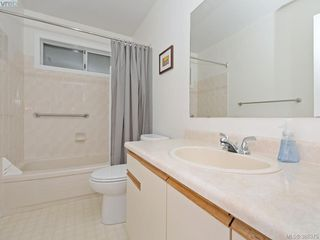 Photo 15: 4352 Parkwood Terrace in VICTORIA: SE Broadmead Strata Duplex Unit for sale (Saanich East)  : MLS®# 388375