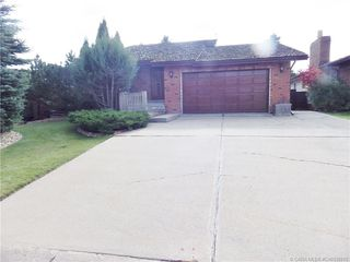 Photo 1: 5317 46 Avenue in Rimbey: RY Rimbey Residential for sale (Ponoka County)  : MLS®# CA0130011