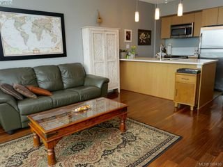 Photo 3: 804 834 Johnson St in VICTORIA: Vi Downtown Condo for sale (Victoria)  : MLS®# 782693