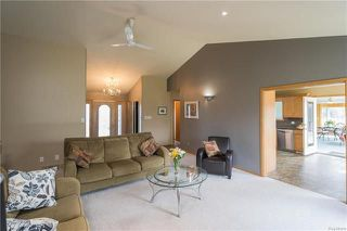 Photo 4: 2195 Cyril Place in Ile Des Chenes: R07 Residential for sale : MLS®# 1811744