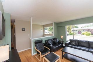 Photo 3: 542 Hallsor Drive in VICTORIA: Co Wishart North Single Family Detached for sale (Colwood)  : MLS®# 394851