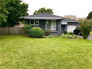 Photo 1: 23 Trophy Drive in Toronto: Victoria Village House (Bungalow) for lease (Toronto C13)  : MLS®# C4263436