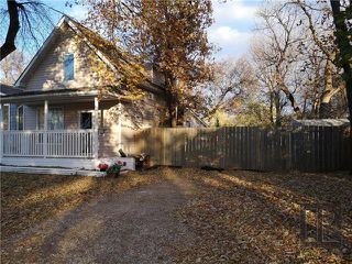 Photo 1: 657 Parkhill Street in Winnipeg: Crestview Residential for sale (5H)  : MLS®# 1828226