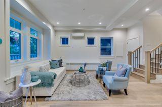 Photo 5: 943 E 14TH Avenue in Vancouver: Mount Pleasant VE 1/2 Duplex for sale (Vancouver East)  : MLS®# R2319114