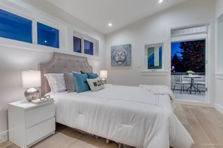 Photo 15: 943 E 14TH Avenue in Vancouver: Mount Pleasant VE 1/2 Duplex for sale (Vancouver East)  : MLS®# R2319114