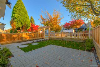 Photo 3: 943 E 14TH Avenue in Vancouver: Mount Pleasant VE House 1/2 Duplex for sale (Vancouver East)  : MLS®# R2319114