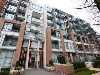 "Main Photo: 707 2033 W 10TH Avenue in Vancouver: Kitsilano Condo for sale in ""West 10th & Maple at Arbutus"" (Vancouver West)  : MLS®# R2329738"
