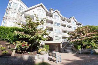 "Photo 1: 114 5500 LYNAS Lane in Richmond: Riverdale RI Condo for sale in ""Hamptons"" : MLS®# R2330919"