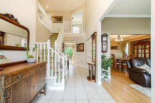 """Photo 2: 6558 187A Street in Surrey: Cloverdale BC House for sale in """"CHARTWELL ESTATES"""" (Cloverdale)  : MLS®# R2331442"""