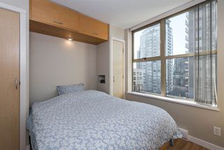 "Photo 10: 808 969 RICHARDS Street in Vancouver: Downtown VW Condo for sale in ""MONDRIAN II"" (Vancouver West)  : MLS®# R2332263"
