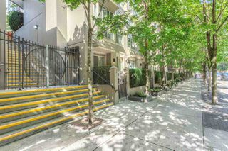 "Photo 2: 808 969 RICHARDS Street in Vancouver: Downtown VW Condo for sale in ""MONDRIAN II"" (Vancouver West)  : MLS®# R2332263"