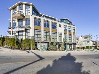 "Main Photo: PH3 3255 SMITH Avenue in Burnaby: Central BN Condo for sale in ""PANACASA"" (Burnaby North)  : MLS®# R2348578"