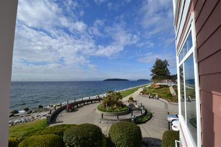 "Main Photo: 207 5470 INLET Avenue in Sechelt: Sechelt District Condo for sale in ""Beach House"" (Sunshine Coast)  : MLS®# R2355874"
