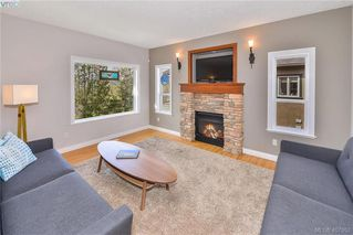 Photo 6: 3845 Holland Avenue in VICTORIA: VR Hospital Single Family Detached for sale (View Royal)  : MLS®# 407952