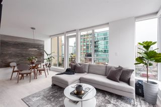 """Photo 4: PH6 1238 BURRARD Street in Vancouver: Downtown VW Condo for sale in """"The Altadena"""" (Vancouver West)  : MLS®# R2358244"""