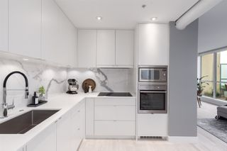 """Photo 11: PH6 1238 BURRARD Street in Vancouver: Downtown VW Condo for sale in """"The Altadena"""" (Vancouver West)  : MLS®# R2358244"""