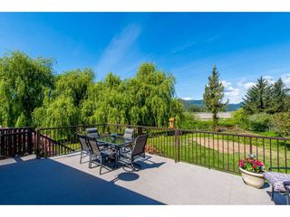 Photo 2: 8801 EAGLE Road in Mission: Dewdney Deroche House for sale : MLS®# R2367488