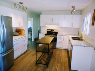 Photo 2: 1104 QUAW Avenue in Prince George: Spruceland House for sale (PG City West (Zone 71))  : MLS®# R2368152