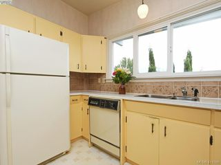 Photo 8: 7960 SEE SEA Pl in SAANICHTON: CS Saanichton Single Family Detached for sale (Central Saanich)  : MLS®# 814976