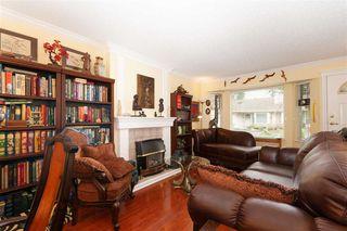 "Photo 3: 3 12049 217 Street in Maple Ridge: West Central Townhouse for sale in ""THE BOARDWALK"" : MLS®# R2374737"