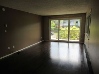 """Photo 7: 235 2033 TRIUMPH Street in Vancouver: Hastings Condo for sale in """"MACKENZIE HOUSE"""" (Vancouver East)  : MLS®# R2382398"""