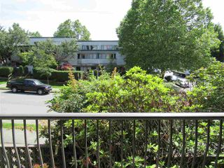 """Photo 4: 235 2033 TRIUMPH Street in Vancouver: Hastings Condo for sale in """"MACKENZIE HOUSE"""" (Vancouver East)  : MLS®# R2382398"""