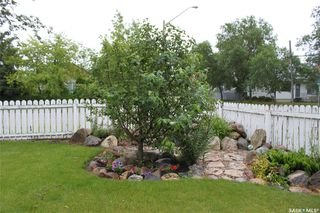Photo 2: 115 First Avenue in Melfort: Residential for sale : MLS®# SK781933