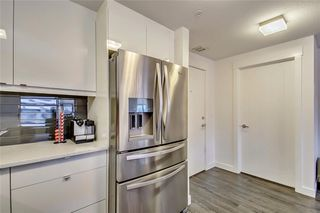 Photo 5: 227 15 ASPENMONT Heights SW in Calgary: Aspen Woods Apartment for sale : MLS®# C4275750