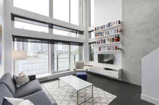 "Photo 4: 805 33 W PENDER Street in Vancouver: Downtown VW Condo for sale in ""33 Living"" (Vancouver West)  : MLS®# R2431559"