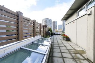 "Photo 17: 805 33 W PENDER Street in Vancouver: Downtown VW Condo for sale in ""33 Living"" (Vancouver West)  : MLS®# R2431559"