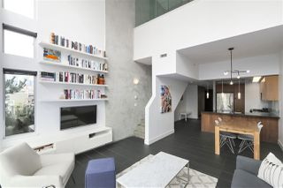 "Photo 1: 805 33 W PENDER Street in Vancouver: Downtown VW Condo for sale in ""33 Living"" (Vancouver West)  : MLS®# R2431559"